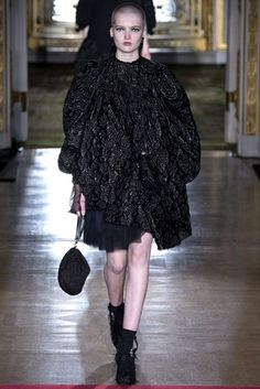 Simone Rocha Autumn/Winter 2016 Ready-To-Wear Collection | British Vogue