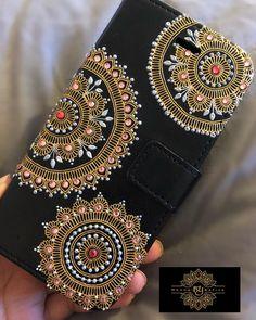 1 million+ Stunning Free Images to Use Anywhere Mehndi Designs Book, Bridal Mehndi Designs, Dot Art Painting, Painting Patterns, Henna Phone Case, Acrylic Rangoli, Sequin Crafts, Embellished Purses, Diamond Paint