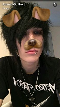 I'm to tired for this- Johnnie Guilbert Cute Emo Guys, Hot Emo Boys, Emo Love, Emo Girls, Cute Boys, Cute Scene Boys, Scene Guys, Emo Scene, Scene Hair