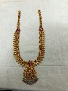 Gold Chain Design, Gold Ring Designs, Gold Earrings Designs, Indian Bridal Jewelry Sets, Gold Wedding Jewelry, Antique Jewellery Designs, Gold Jewellery Design, Gold Mangalsutra Designs, Gold Haram
