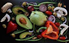 he Avocado is a super fruit amongst the best for its high nutritional values. Here, we present you with 10 amazing facts about Avocado. Quick Recipes, Baby Food Recipes, Whole Food Recipes, Vegan Pulled Pork, A Food, Good Food, Marinated Tofu, Healthy Meats, Meat Substitutes