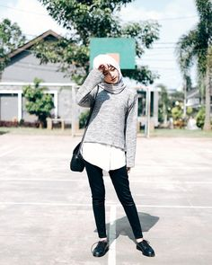 New how to wear black blouse style ideas Fashion Mumblr, Fashion 2020, Modest Fashion, Hijab Fashion, Fashion Outfits, Womens Fashion, Fall Outfits, Hijab Wear, Casual Hijab Outfit