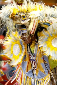 The Annual Black Hills Powwow in Rapid City South Dakota is an amazing opportunity to experience the beauty of the Lakota culture. The event features traditional song, dance and art. Come Visit Rapid City and experience it for yourself! Native American Music, Native American Regalia, American Spirit, Rapid City South Dakota, Color Me Beautiful, Music Pictures, Pow Wow, Native Indian, Photo Black