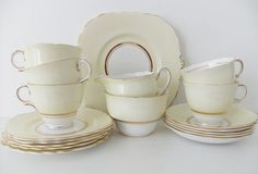Colclough china tea set in buttermilk #peonyandthistle.etsy