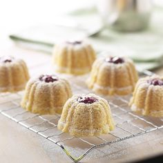 Raspberry Shortbread Cakes  Nordic Ware