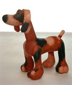 De honde uit de voorstelling Mamma Belle. Snijwerk Aleksandr Vakhrameev
