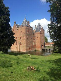 Slot Loevestijn, Poederoijen, Gelderland.