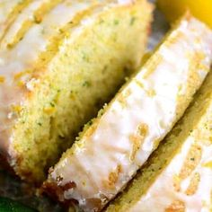 This Lemon Zucchini Bread combines two favorites in one delicious loaf of bread! This quick snack or easy breakfast idea is a great way to sneak in veggies! Best Salad Recipes, Lemon Recipes, Cake Recipes, Lemon Zucchini Cakes, Zucchini Bread Recipes, Cauliflower Garlic Bread, Pumpkin Cranberry Bread, Quick Snacks, Keto