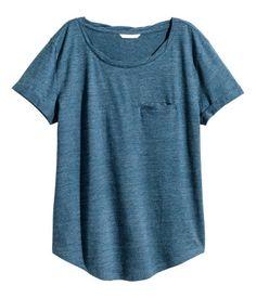 Weiß/Gestreift. Kurzarmshirt aus weichem, geflammtem Jersey mit leicht…