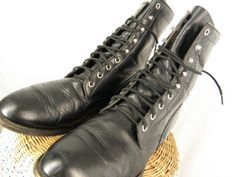 Sz 10 Vintage 1980s Black Leather Roper Cowboy by ManeaterVintage, $72.00