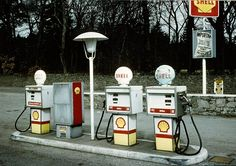 Shell petrol station in the Scottish Highlands Old Gas Pumps, Vintage Gas Pumps, Shell Oil Company, Shell Gas Station, Royal Dutch Shell, Fuel Truck, Pompe A Essence, Gas Service, Old Garage