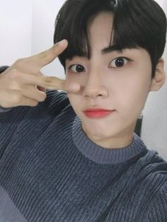 Jin, Korean Boy Bands, You're Awesome, Boyfriend Material, Celebs, Singer, Twitter, Kpop Groups, Dads