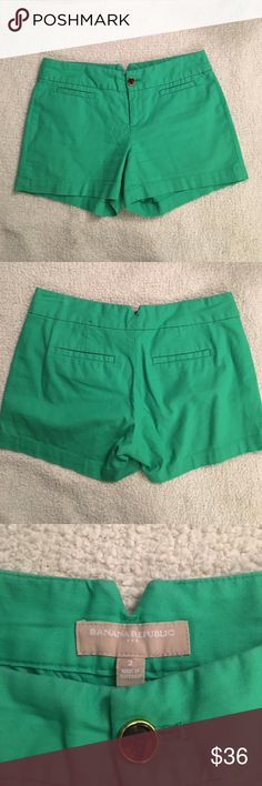 """💚Banana Republic shorts💚 Size 2. 97% cotton & 3% spandex. Excellent used condition😍😍😍 Approx. 3.5"""" inseam. Banana Republic Shorts"""