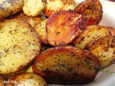 תפוחי אדמה בתנור,תפוחי אדמה הכי טעימים שיש,פלחי תפוחי אדמה אפויים בתנור להכין כמות הם פשוט נחטפים מתכון הורס של סוויט דולי שמהיום הראשון נחל הצלחה