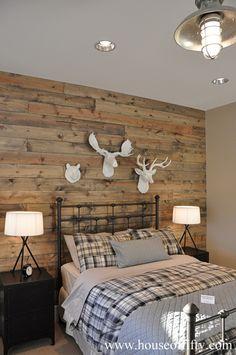 Pallet Wall Ideas (5)