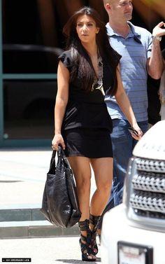 Kim and Khloe are spotted en route to E! meeting - kim-kardashian Photo