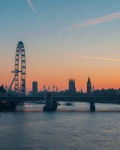 Waterloo Sunset, Waterloo Bridge, Tresco Abbey Gardens, Sunset London, Mall Of America, North America, White Cliffs Of Dover, London Instagram, Beach Trip