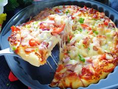 Cách làm pizza tôm ngon khó cưỡng - http://congthucmonngon.com/105851/cach-lam-pizza-tom-ngon-kho-cuong.html