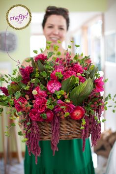 How To Make a Lush Floral Centerpiece ...♥♥