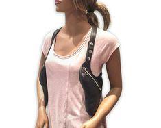 Leather shoulder holster bag / holster bag Made in FRANCE Sacoche Holster, Bronze, Leather Skin, Bag Making, How To Make, How To Wear, The Selection, Shoulder, Bags