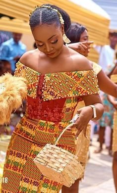 African Dresses For Kids, Latest African Fashion Dresses, African Dresses For Women, African Print Fashion, African Print Wedding Dress, African Wedding Attire, Ghana Wedding Dress, African Traditional Wedding Dress, Traditional Wedding Attire