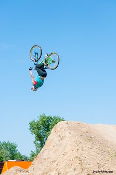 Dirt Jumping competition  #dirtjumping #bike #bycycle #competition #racing #bychykhin #sport #bmx