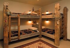 18 Creative Solutions For Decorating Childs Room For More Kids 3 Bunk Beds, Bunk Beds Small Room, Wood Bunk Beds, Rustic Bunk Beds, Corner Bunk Beds, Bunk Rooms, Bunk Beds With Stairs, Western House Decor, Western Homes