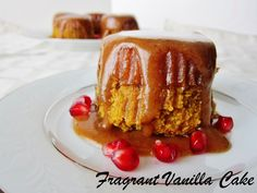 Fragrant Vanilla Cake: Raw Sticky Toffee Date Puddings