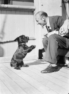 Black and White Vintage Photos Show Lovely Moments of Animals and Their Owners in the 1930s