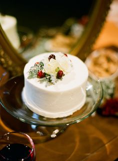 Mini-Wedding-Cake-With-Flowers-and-Red-Berries-600x819.jpg 600×819 pixels