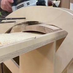 Wood Shop Projects, Diy Furniture Plans Wood Projects, Woodworking Projects Diy, Woodworking Furniture, Easy Projects, Router Woodworking, Woodworking Techniques, Woodworking Tools, Unique Woodworking