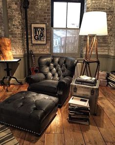 Ideas for house design industrial man Ideas for house design industrial man cave 45 Bachelor Pad Decor Ideas With Masculine Accents Bachelor Pad Decor, Bachelor Pads, Home Design, Interior Design, Design Ideas, Design Design, Brown Leather Chairs, Masculine Interior, Decor Pad