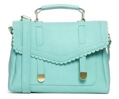 April giveaway: green scalloped purse [closed]