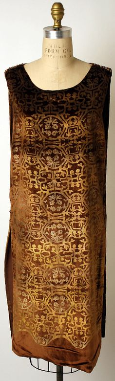Evening dress Maria Gallenga (Italian, Rome 1880–1944 Umbria) Date: 1920s Culture: Italian Medium: silk, glass