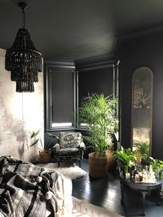 Gorgeous dark and moody room by Suszi Sunders featured on The Girl with the Green Sofa I m here for this tonight moody interiors black paint color dark interior living room inspiration black chandelier Dark Living Rooms, Dark Bedrooms, Dark Cozy Bedroom, Interior Design Themes, Dark Walls, Dark Interiors, Eclectic Design, Living Room Inspiration, My New Room