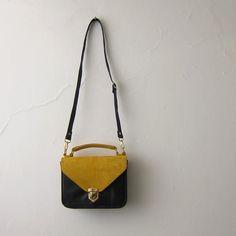 Mady leather crossbody bag