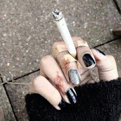 '' the cigarette was the only one that understood me. Badass Aesthetic, Bad Girl Aesthetic, Character Aesthetic, Aesthetic Grunge, Aesthetic Black, Korean Aesthetic, Japanese Aesthetic, Smoking Kills, Girl Smoking