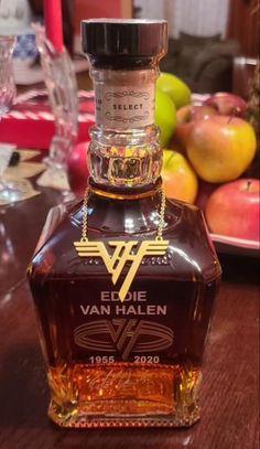 Cocktail Recipes, Cocktails, Vintage Bottles, Bourbon Whiskey, Jack Daniels, Fun Drinks, Hard Rock, Whiskey Bottle, Liquor