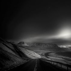 andy lee iceland 8 Breathtaking Black And White Photos Of Icelandic Landscapes