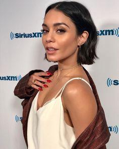 Paparazzi : VANESSA HUDGENS chez SiriusXM Studios 06/07/2017