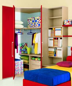 moderne kinderzimmer bilder: begehbarer kleiderschrank mit falttür ... - Schrank Designs Kinderzimmer