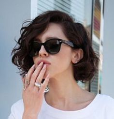 Cool Sunglasses and hairstyle for women~I want to have a try