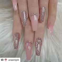 There are three kinds of fake nails which all come from the family of plastics. Acrylic nails are a liquid and powder mix. They are mixed in front of you and then they are brushed onto your nails and shaped. These nails are air dried. When creating dip. Best Acrylic Nails, Acrylic Nail Designs, Nail Art Designs, Nails Design, Nails Acrylic Coffin Glitter, Mauve Nails, Gel Nails, Rose Gold Nails, Nail Nail