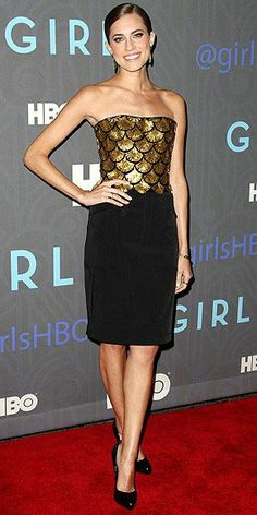 Want this outfit? Join the club, along with every editor here. Also at the Girls premiere, Allison stuns in an Altuzarra creation featuring an embroidered gold bustier and a knee-length skirt, plus Fred Leighton jewelry and utterly flawless makeup.