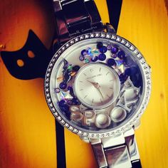 Origami Owl is a leading custom jewelry company known for telling stories through our signature Living Lockets, personalized charms, and other products. Origami Owl Watch, Swarovski Watches, Personalized Charms, Watch Faces, Jewelry Companies, Halloween Themes, Custom Jewelry, Trendy Fashion, Crystals