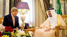 U.S. Secretary of State John Kerry (L) meets with Saudi King Salman at the Royal Court (REUTERS/Andrew Harnik).