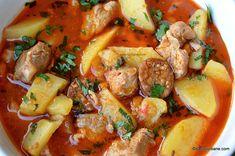 Bograci - rețeta de tocană cu carne și cartofi la ceaun - bogracs unguresc savori urbane Pork Recipes, Cooking Recipes, Romanian Food, Thai Red Curry, Carne, Potato Salad, Food And Drink, Yummy Food, Supe