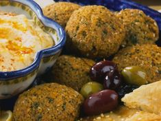 Falafel the Mount Athos way. Jewish Recipes, Greek Recipes, Bar Recipes, Greek Meze, Greek Appetizers, Nuggets Recipe, Greek Cooking, Mediterranean Diet Recipes, Country Cooking