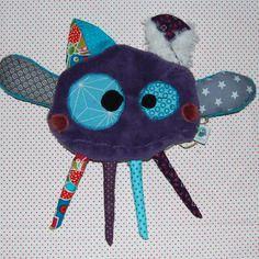 Petit doudou monstre original et rigolo, patteapon_10 Textiles, Boutique, Creations, Monster Hunter, Originals, Unique Jewelry, Textile Art, Cloths