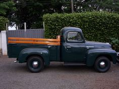 1954 International R110 Truck - International Harvester R-Series - Wikipedia, the free encyclopedia